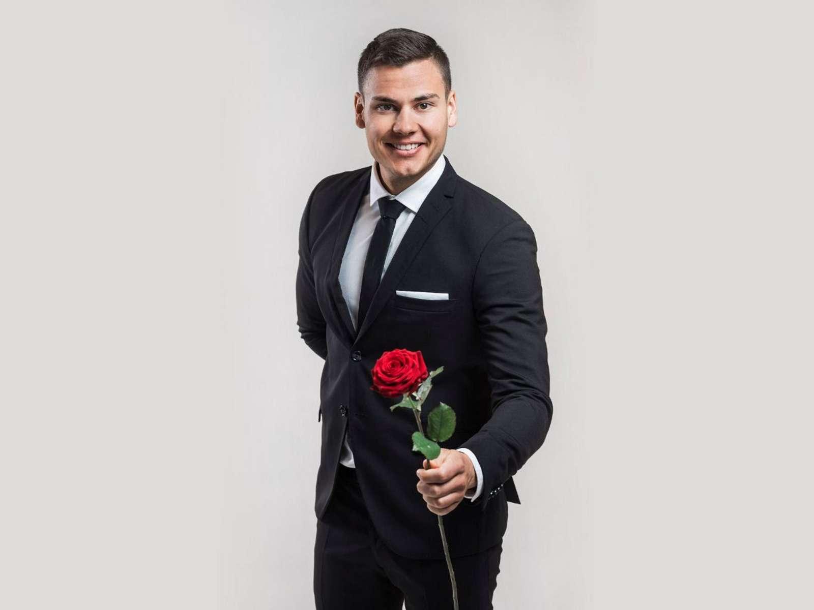 Bachelor Suomeksi